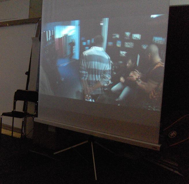 Cin syst me le cin ma en pratiques for Miroir projector stand